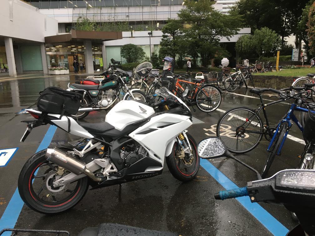 中野区役所バイク駐輪場
