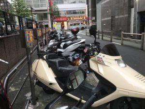 新宿区役所バイク駐輪場