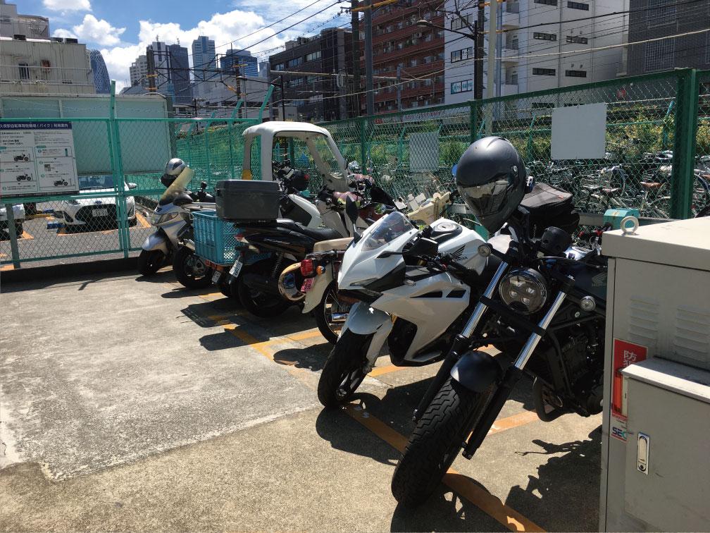 新大久保自転車等駐輪場のバイク置き場